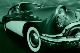 Glass Wall Art The retro car hangs, Glowing in the dark, 60 x 90 cm