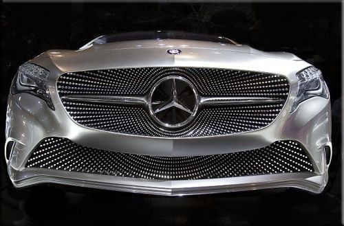 Tablou Mercedes Benz concept car, luminos in intuneric, 80 x 120 cm