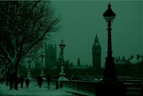 Canvas Wall Art London under the snow, Glowing in the dark, 80 x 120 cm