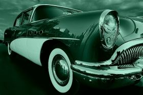 Canvas Wall Art The retro car hangs, Glowing in the dark, 60 x 90 cm
