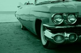 Canvas Wall Art Yellow Chevrolet, Glowing in the dark, 60 x 90 cm
